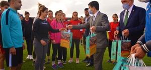 Ergani Belediye Başkan Vekili Abdüsselam Öztürk, İlçe Gençlik Hizmetleri ve Spor Müdürlüğünde incelemelerde bulundu