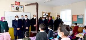 """Gürkan'den yüz yüze eğitime başlayan öğrencilere sürpriz Gürkan: """"Öğretmen öğrencinin gözündeki parıltıyı görecek"""""""