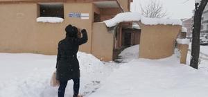 Yürekleri ısıtan ekipler kar kış dinlemedi