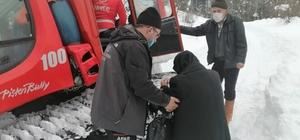 Yolları kapalı olan köylerdeki hastalar, AFAD ekiplerince kurtarıldı