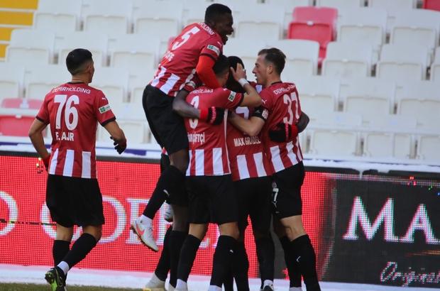Süper Lig: DG Sivasspor: 1 - Kayserispor: 0 (İlk yarı)