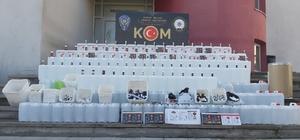 Adana'da sahte içki operasyonu Operasyonlarda sahte içki yapımında kullanılan bin 323 litre etil alkol ve 990 alkol kiti ele geçirildi