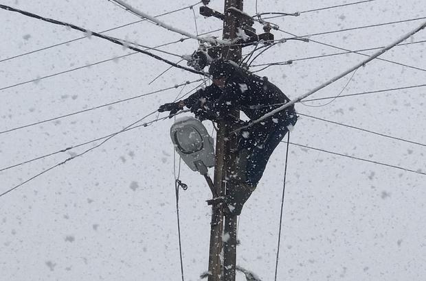 5 gün süren esareti el birliğiyle bitirdiler Köylüler, elektrik arızasını imece usulü çalışıp giderdiler