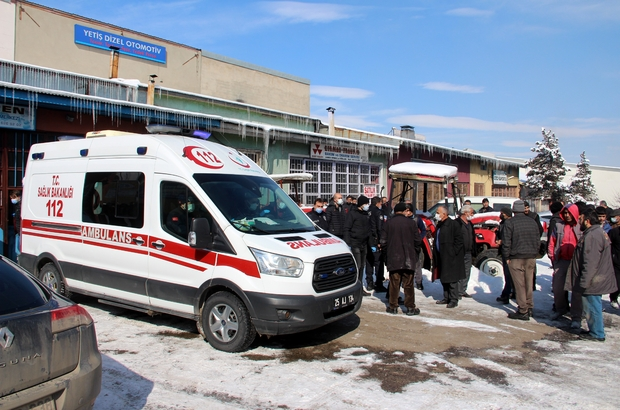 Av tüfeğiyle intihar etti Babalarının cansız bedenini taşıyan ambulansın peşinden koşan çocuklar yürekleri sızlattı