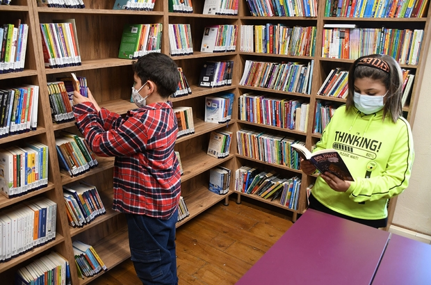 Kuşadası'nda çocuk kütüphanesi açıldı