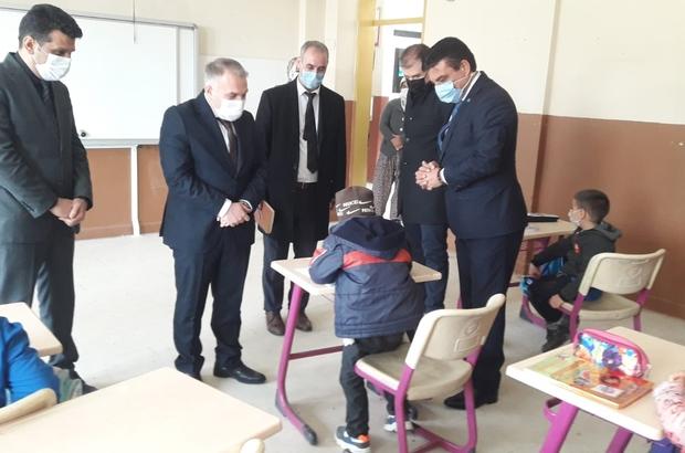 Kula Kaymakamı Duru'dan mahalle ve okul ziyaretleri