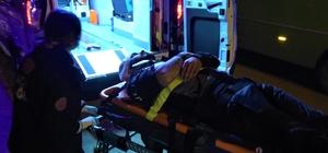 Otomobil ile çarpışan motosikletten yola savruldular: 1'i ağır 2 yaralı Metrelerce havaya uçan motosikletli genç yaşam mücadelesi veriyor