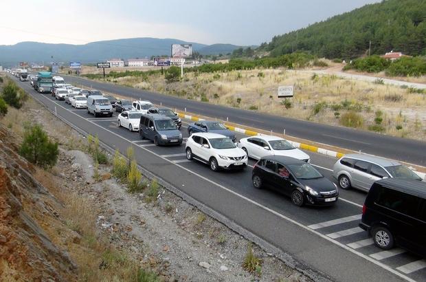 Muğla'da araç sayısı 1 ayda 2 bin 432 arttı  Türkiye İstatistik Kurumu Ocak ayı verilerine göre Muğla'da araç sayısı bir önceki aya göre 2 bin 432 artarak 530 bin 708'e ulaştı.