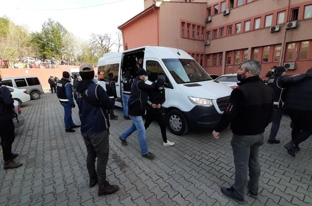 Karabük'te 1 yıldır takibe alınan suç örgütü 'Kurtbeyler' çökertildi Karabük'te organize suç örgütü operasyonunda 12 şüpheli tutuklandı