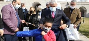 Battalgazi'de 650 çocuğa kışlık kıyafet ve kırtasiye yardımı Battalgazi'den gönül belediyeciliği seferberliği
