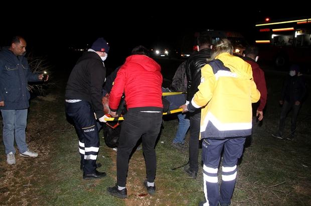 Arpa yüklü tır ters döndü: 2 ağır yaralı