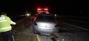 Balıkesir'de 3 aracın karıştığı kazada 3 kişi yaralandı