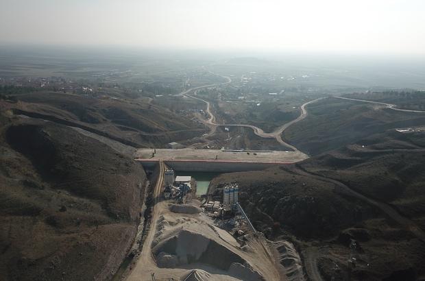 Merkez Gündüzler Barajı ekonomiye yıllık 13 milyon TL kazandıracak Eskişehir Merkez Gündüzler Barajı'nda çalışmalar devam ediyor
