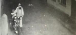 Motosiklet hırsızı önce kameraya sonra polise yakalandı