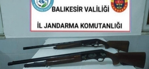 Balıkesir'de jandarma 14 aranan kişiyi yakaladı