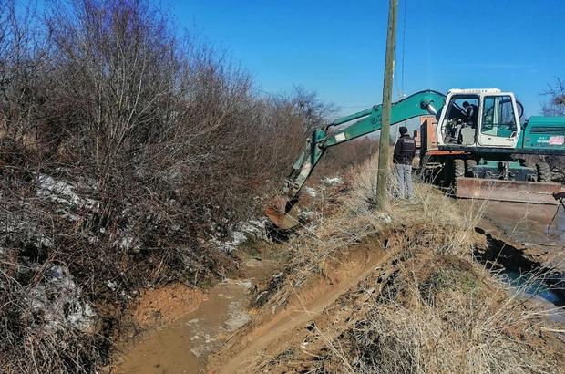 Tahliye ve sulama kanalları temizleniyor