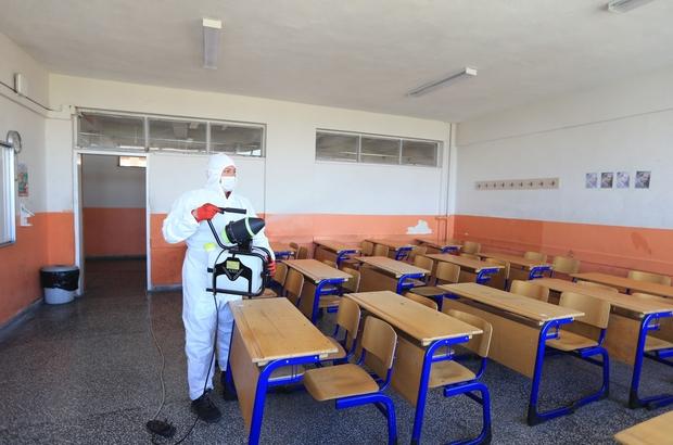 """Pamukkale Belediyesi tüm okulları dezenfekte etti Başkan Örki, """"Hem anne babaların, öğretmenlerimizin hem de çocuklarımızın içleri rahat olsun istedik"""""""