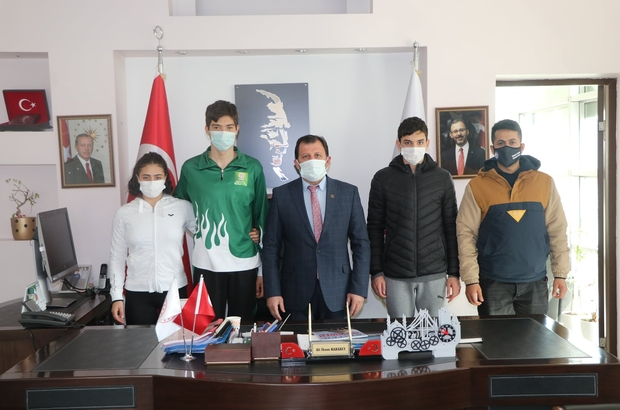 Adana THOM yüzme sporcularından Kabakcı'ya ziyaret