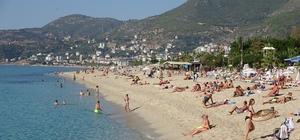 """Antalya'nın Kleopatra Plajı dünya sıralamasına girdi Kleopatra Otelciler Birliği Başkanı Şakiroğlu: """"Derece kazanan tek plaj olması turizmcileri ayrıca çok memnun etti"""""""