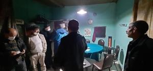 Sakarya'da kıraathane baskınında ceza yağdı Kıraathane işletmecisinin de içinde bulunduğu 7 kişiye 24 bin 283 TL ceza