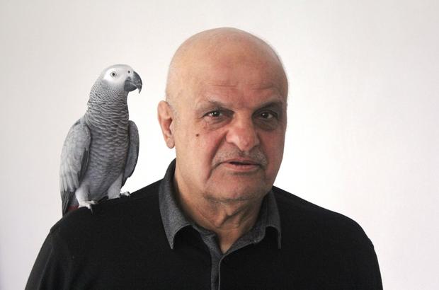 """Papağan """"Ufuk"""" insan gibi konuşuyor Sahibi: """"Ufuk 500'ün üzerinde kelime biliyor"""" Bu papağan """"Türk askerini koru Yarabbi diyor"""", Kelime-i Tevhid söylüyor"""