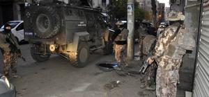 Diyarbakır terör operasyonu, çok sayıda kişi gözaltına alındı HDP Diyarbakır Milletvekili Dersim Dağ'ın babası Zeki Dağ'da gözaltına alındı