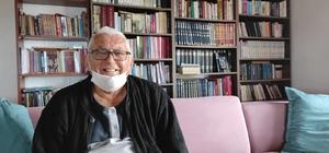 Emekli öğretmen evini kütüphaneye çevirdi