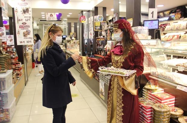 Türk Lokumu, Osmanlı gelenekleri ile tanıtıldı Geleneksel Lokum günlerinde Türkiye'nin ağzı tatlandı