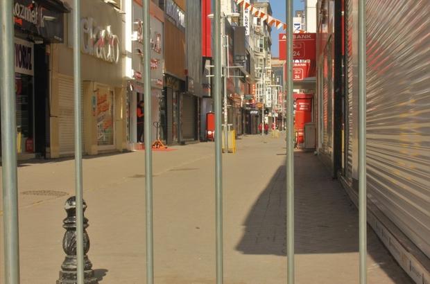 Samsun kısıtlamaya uydu, cadde ve sokaklar boş kaldı