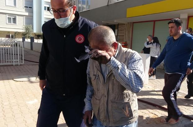 Genç kadın ev yangınında feci şekilde can verdi Yangında hayatını kaybeden genç kadının üvey babası ile 3 yaşındaki kızı, polis ve itfaiye ekipleri tarafından kurtarıldı