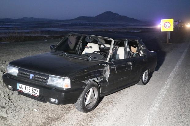 Tırla otomobil çarpıştı: 2 yaralı Sivas'ta tırla otomobilin çarpışması sonucu meydana gelen trafik kazasında 2 kişi yaralandı