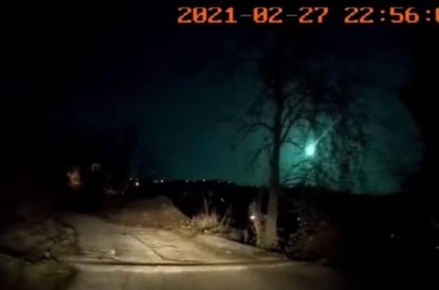 Atmosfere giren ve ortalığı gündüz gibi aydınlatan meteor Doğu Karadeniz Bölgesi'nden de görüntülendi Trabzon ve Giresun'da kameraları yansıyan meteor ortalığı bir anda aydınlattı