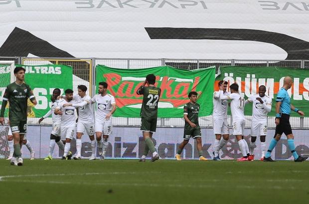 TFF 1. Lig: Bursaspor: 1 - Akhisaspor: 2 (İlk yarı sonucu)