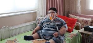 5 yaşında 90 kiloya ulaşan Yağız bebek, arkadaşlarıyla oynamak istiyor