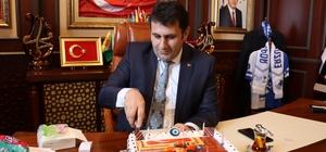 Yapılan jest Başkan Yaşar'ı duygulandırdı