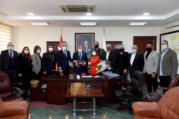 """Akay: """"Ortak paydamız Adana olmalı"""" Seyhan Belediye Başkanı Akif Kemal Akay, Adana'da yaşayan, bu kenti seven, bu kentin öneminin farkında olan herkesin sorumluluk bilinciyle hareket etmesi ve birlikte çalışması gerektiğini ifade etti"""
