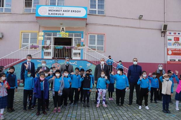 """Aydın'da öğrencilerin yüz yüze eğitim sevinci """"Evde sıkılıyorduk, okullar açıldı çok mutluyuz"""""""
