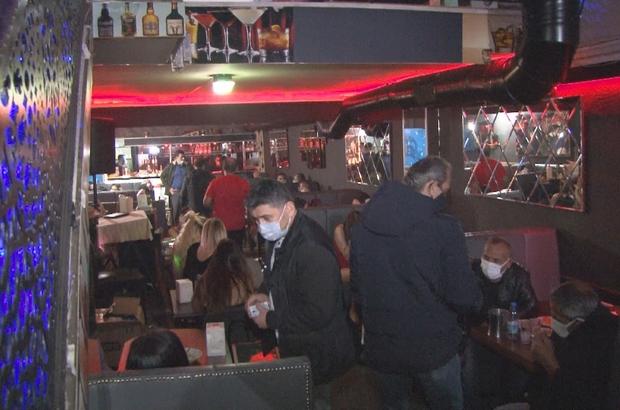 İzmir'de 'KADES' ihbarı ile gece kulübüne polis baskını Gece kulübündeki 28 kişiye 176 bin lira para cezası
