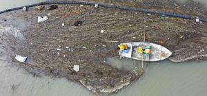 Adana'da iç su ve denizlerde temizlik çalışması Yüzer katı atık toplama bariyeri ile yaklaşık 7 ton katı atık toplanarak bertaraf edildi