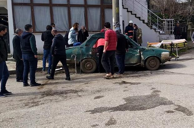 Beton mikseri otomobile çarptı: 3 yaralı Kazada, karı-koca ve çocukları yaralandı Beton mikseri kaza sonrası olay yerinden kaçtı
