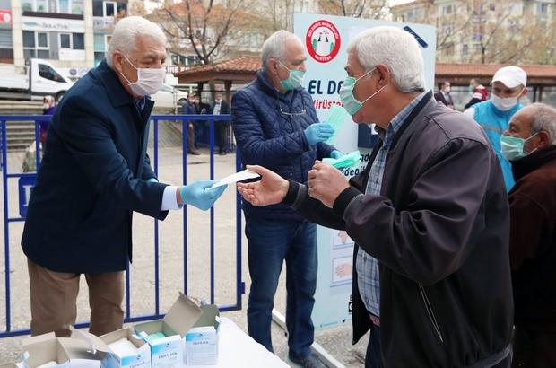Pandemi döneminde vatandaşa 12 milyon TL'lik destek Muğla Büyükşehir Belediyesi Covid-19 salgını pandemi sürecinde vatandaşlara toplam 12 Milyon 167 Bin 831 TL değerinde yardımda bulundu.