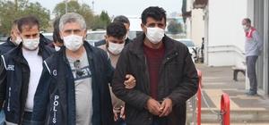 Göçmen tacirlerine MİT-polis operasyonu Adana polisinin MİT ile birlikte yaptığı operasyonda, 225 göçmeni Türkiye'ye getirdiği iddiasıyla gözaltına alınan 7 kişiden 5'i tutuklandı