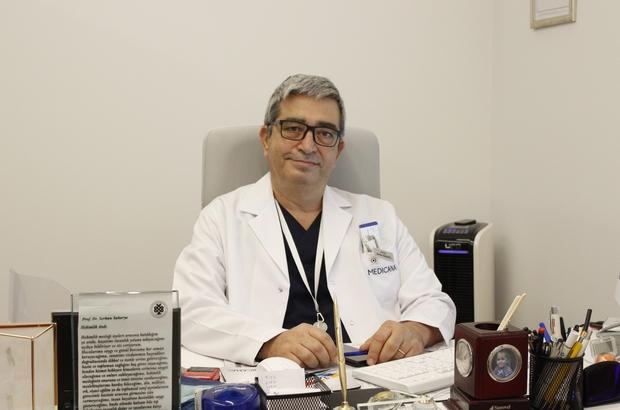 """Prof. Dr. Sakarya'dan korona virüste mutasyon uyarısı Enfeksiyon Hastalıkları Uzmanı Prof. Dr. Sakarya: """"Kısa süre sonra yoğun bakımlarımızda yaşlı hastaları değil gençlerin de bu virüsle mücadele ettiğine tanık olacağız"""" """"Test yapacağımıza aşı yapalım"""" """"120 milyon doz aşıya ihtiyacımız var"""""""