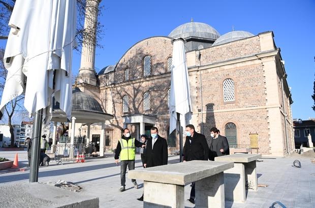 Zağnos Paşa Camisi'nde tarihi meydan ortaya çıkıyor