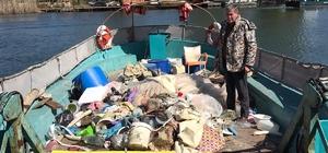Dalyan Kanalı ve Köyceğiz Gölü'nde temizlik çalışmalarına devam ediyor