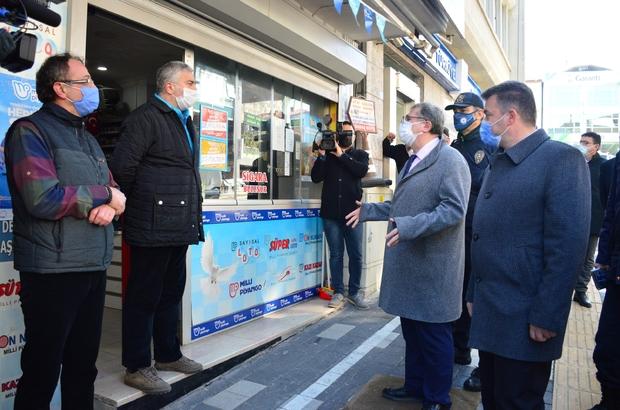 """Karasu Kaymakamı Helvacı, ilçe esnafını uyardı Karasu Kaymakamı Dr. Ahmet Naci Helvacı: """"Bize bir şey olmaz' dendiği sürece normalleşemeyiz"""""""