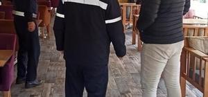 Buca'da zabıtalar pazar yerleri ve işletmelerde denetimleri sıklaştırdı Buca'da ekipler kontrollü normalleşme sürecinin ilk cumartesi gününde denetime çıktı