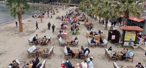 Kısıtlama kalktı, vatandaş sahillere akın etti Yüksek riskli iller arasında yer alan Muğla'da Cumartesi günleri kısıtlamanın kalkmasını fırsat bilen vatandaşlar sahillere akın etti.
