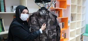 Şehidin adı okul kütüphanesinde yaşayacak Kahramanmaraş'ta şehit özel harekat polisi Sinan Türkoğlu'nun eşi, Dulkadiroğlu ilçesindeki bir liseye kütüphane yaptırdı Tuğba Türkoğlu, şehit eşinin adının yaşatılması için Ekinözü ilçesindeki Ataköy İlkokuluna da kütüphane yaptırmıştı