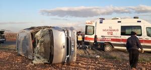 İşçileri taşıyan midibüs takla attı: 8 yaralı